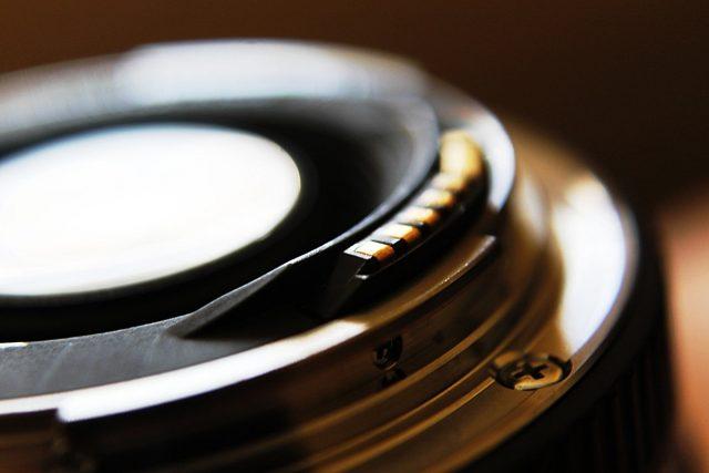 Beim Fotografieren mit dem Smartphone muss die Linse immer sauber sein.
