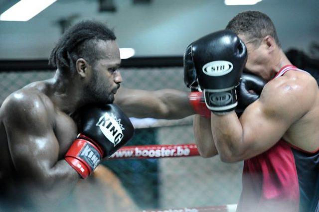 Fotografie von Jessica Wahl: Zwei Boxer im Ring