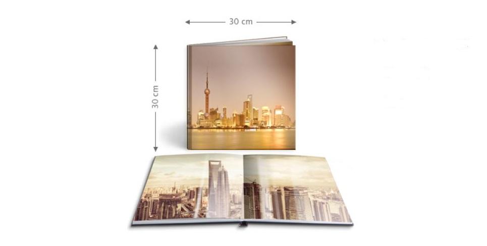 Ein Fotobuch im quadratischen Format wirkt avangardistisch