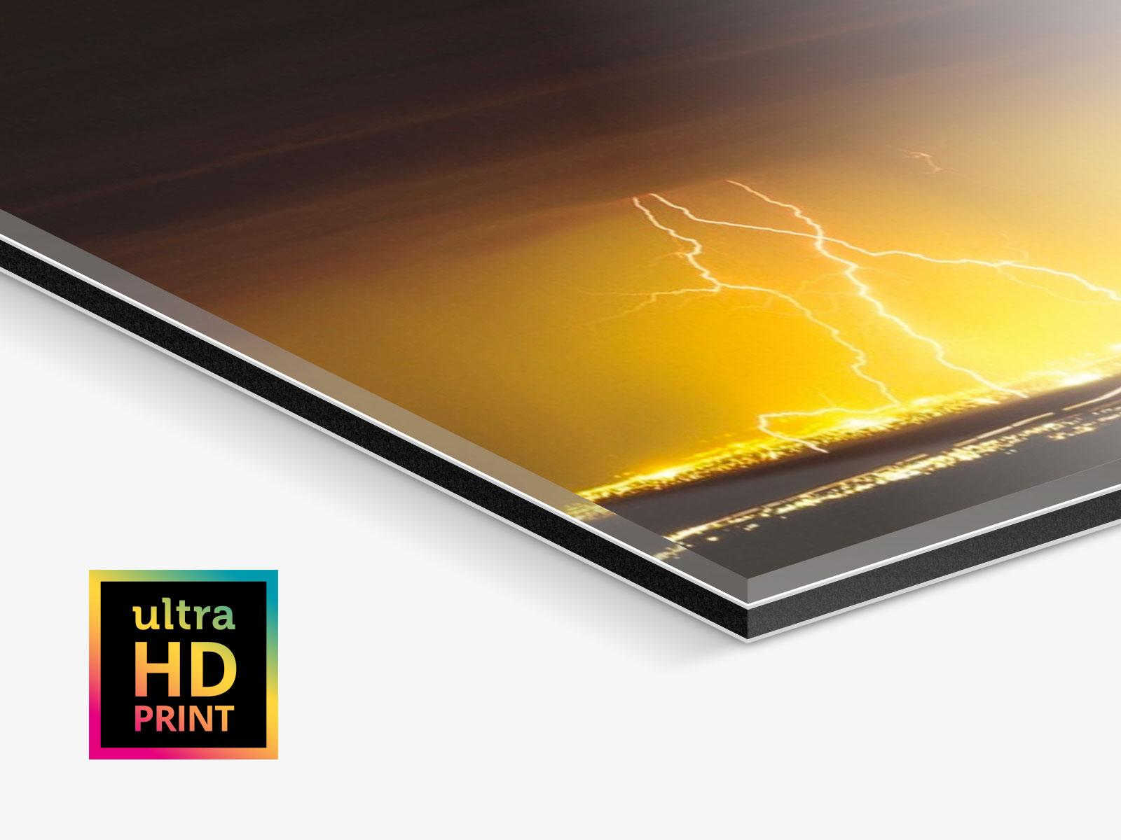 Ein Foto auf Acrylglas als ultraHD-Abzug ist ideal für Gewitter-Bilder